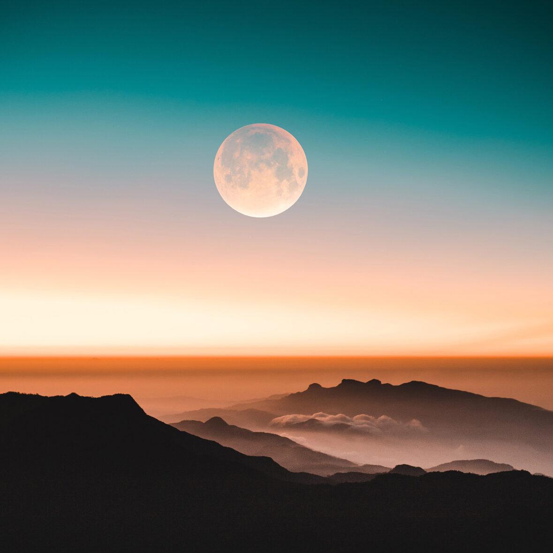 malith-d-karunarathne-qIRJeKdieKA-unsplash-Moon-