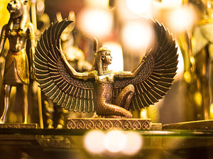 color-crescent-RYfZxZwnPas-unsplash-Egyptian-Isis-300x224